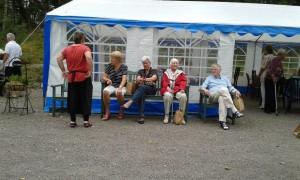 Nöjda med dagen. Inger B, Inger E, Maj-Britt och Hugo klara för hemfärd.