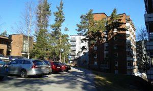 2017-03-28 Vy från parken. Hus 3 t.h. och hus 5 t.v. bakom 43:an. Sylvestergatan 78 längst t.v.