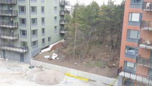 2017-04-12 Även mellan hus 2 och 3 pågår arbete.