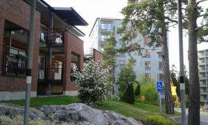 2017-07-07 Vy från parken. Hus 5, hus 3 t.h. och Sylvestergatan 78 t.v.