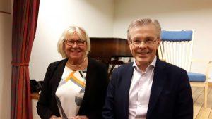 2018-03-08 Journalisten, författaren och debattören Ann Lindgren mötte VD Ulf Thörnevik i ett öppet samtal om Blomsterfonden förr, nu och i framtiden.