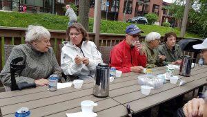2018-05-17 Vårstädning - Kaffe och kaka, tack Aktivitetskommittén!