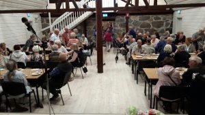 2018-08-21 Blomsterfonden bjuder på kaffe med bröd - Tack!